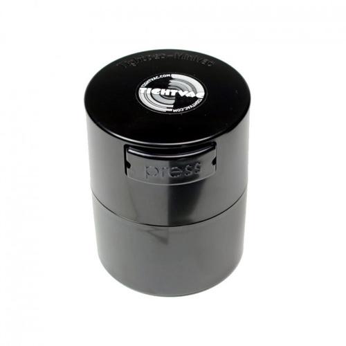 Pojemnik TightVac MiniVac pozwala zachować świeżość Twoich ziół i zapobiega przedostawaniu się jakichkolwiek zapachów